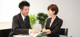 講師とビジネスマン